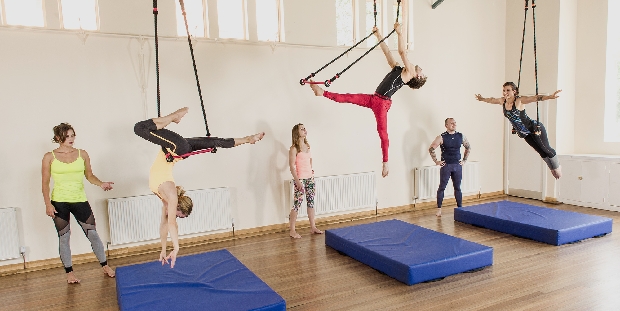 aerial trapeze static trapeze classes london flying fantastic